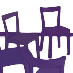 Stühle, die im Kreis angeordnet sind